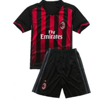 Милан 2016-2017 форма домашняя