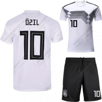 Форма Германии 2018 OZIL 10